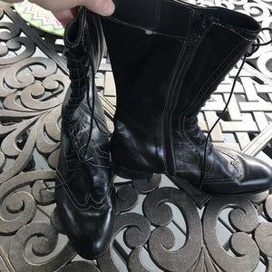 Barker wing tip boots. Made in Italy size 37.5